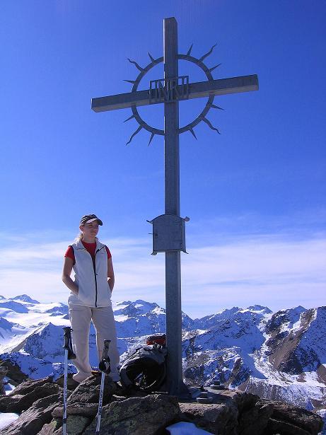 Foto: Andreas Koller / Wander Tour / Söldner Wandertour: Schwarzkogel (3018m) und Rotkogel (2947m) / Schönes Schwarzkogel-Gipfelkreuz / 16.10.2008 01:11:39