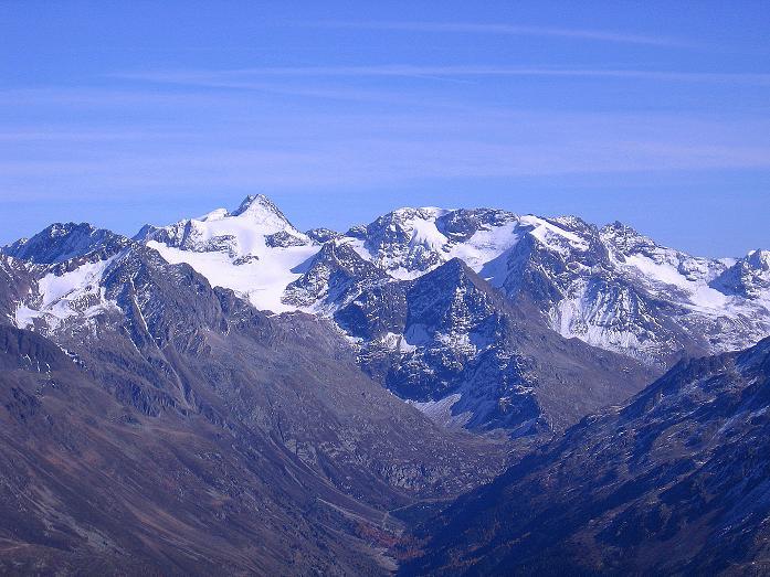 Foto: Andreas Koller / Wander Tour / Söldner Wandertour: Schwarzkogel (3018m) und Rotkogel (2947m) / Blick zukm Zuckerhütl (3507 m) / 16.10.2008 01:07:02