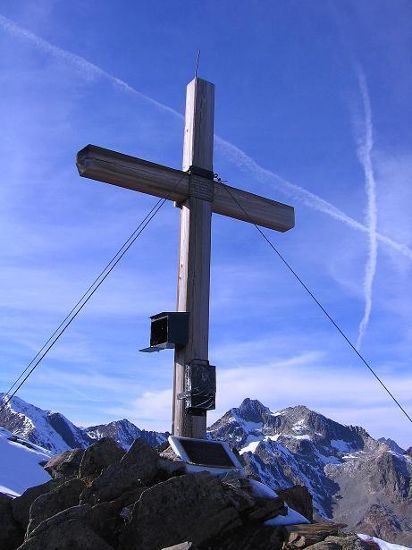 Foto: Andreas Koller / Wander Tour / Söldner Wandertour: Schwarzkogel (3018m) und Rotkogel (2947m) / Rotkogel-Gipfelkreuz / 16.10.2008 01:02:57