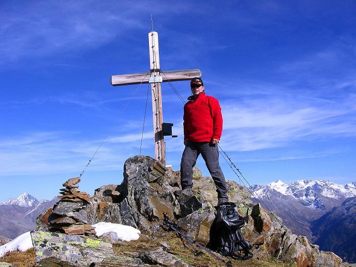 Foto: Andreas Koller / Wander Tour / Söldner Wandertour: Schwarzkogel (3018m) und Rotkogel (2947m) / Beim Rotkogel-Gipfelkreuz / 16.10.2008 01:02:01