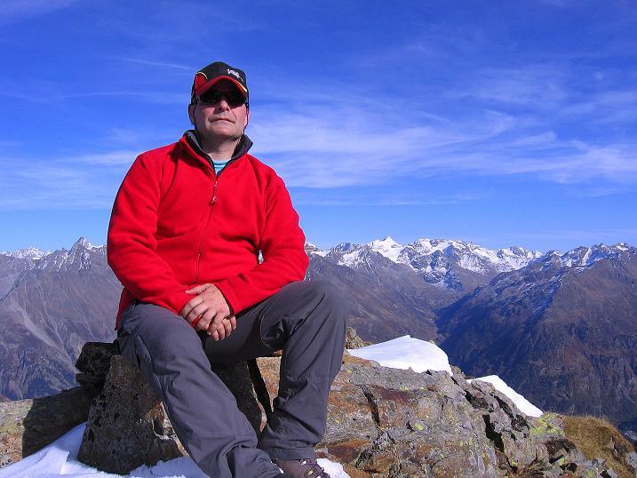 Foto: Andreas Koller / Wander Tour / Söldner Wandertour: Schwarzkogel (3018m) und Rotkogel (2947m) / Gipfelrast am Rotkogel / 16.10.2008 01:01:11