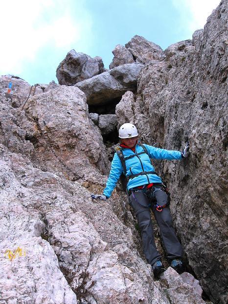 Foto: Andreas Koller / Klettersteig Tour / Via ferrata Crete Rosse und Uiberlacher Klettersteig (2280m) / Steilere Passagen sind gut mit Ketten gesichert / 22.10.2008 00:22:59
