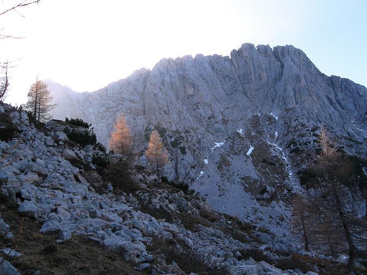 Foto: Andreas Koller / Klettersteig Tour / Via ferrata Crete Rosse und Uiberlacher Klettersteig (2280m) / Der Trogkofel von O / 22.10.2008 00:19:41