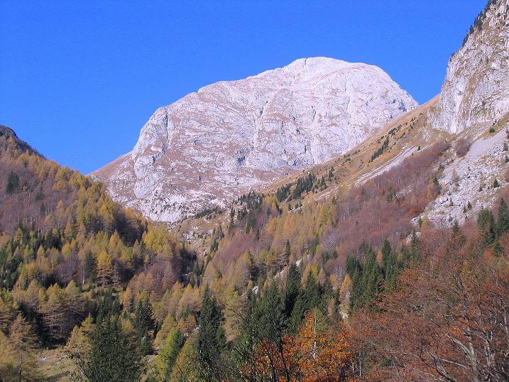 Foto: Andreas Koller / Klettersteig Tour / Cellon Stollen und Steinbergerweg (2241 m) / Hoch über dem Plöckenpass thront der Kolinkofel (2691 m) / 23.10.2008 01:20:41