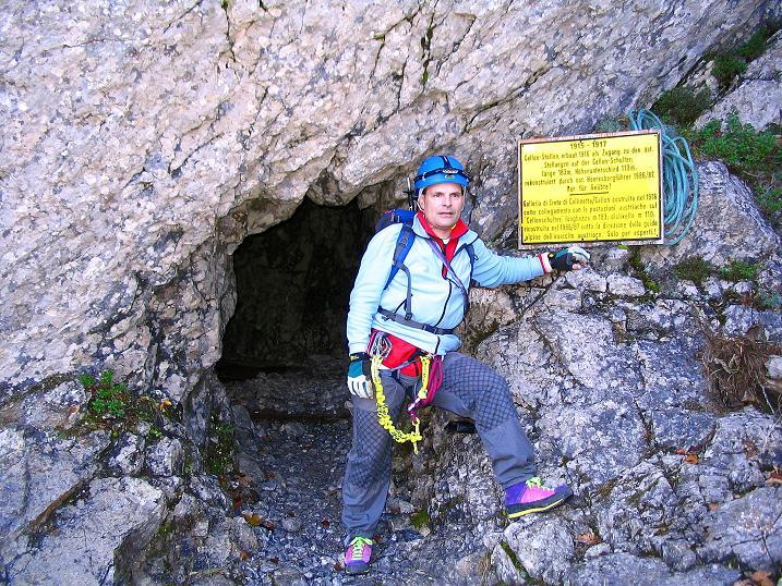 Foto: Andreas Koller / Klettersteig Tour / Cellon Stollen und Steinbergerweg (2241 m) / Einstieg in den Cellon Stollen / 23.10.2008 01:20:14