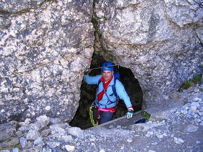 Foto: Andreas Koller / Klettersteig Tour / Cellon Stollen und Steinbergerweg (2241 m) / Ausstieg aus dem Stollen / 23.10.2008 01:19:12