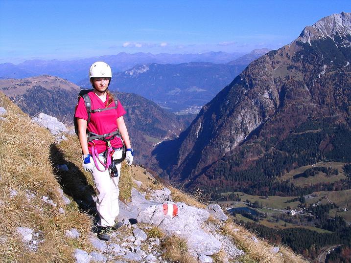Foto: Andreas Koller / Klettersteig Tour / Cellon Stollen und Steinbergerweg (2241 m) / Hoch über Kötschach-Mauthen Querung zum Steinbergerweg / 23.10.2008 01:17:36