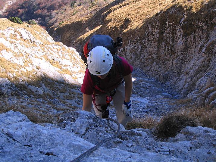 Foto: Andreas Koller / Klettersteig Tour / Cellon Stollen und Steinbergerweg (2241 m) / Am Felsriegel / 23.10.2008 01:14:06