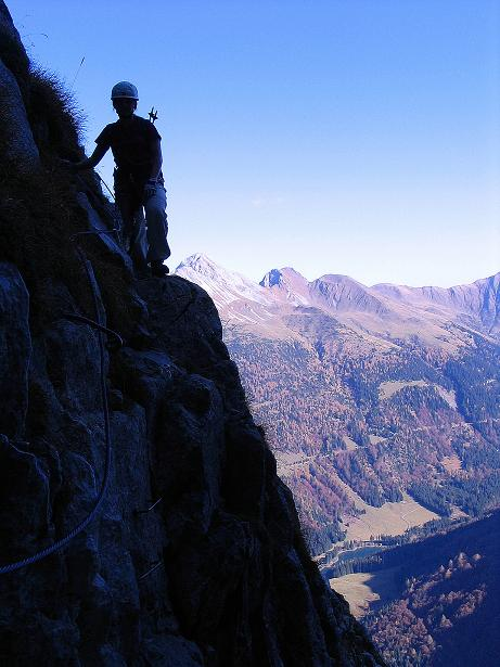 Foto: Andreas Koller / Klettersteig Tour / Cellon Stollen und Steinbergerweg (2241 m) / Ausgesetzte Querung / 23.10.2008 01:13:26