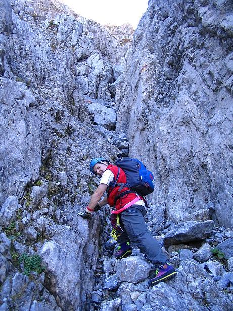 Foto: Andreas Koller / Klettersteig Tour / Cellon Stollen und Steinbergerweg (2241 m) / Ungesicherte Stellen II in der Schlucht / 23.10.2008 01:12:47