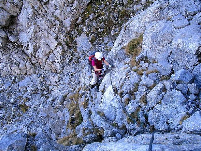 Foto: Andreas Koller / Klettersteig Tour / Cellon Stollen und Steinbergerweg (2241 m) / Schlüsselstelle steiler Wandaufschwung / 23.10.2008 01:10:19