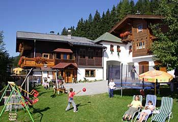 Foto: Tourismusverband Radstadt / Wander Tour / Höhenweg Schwemmberg (Gasthof Rohrmoos - Bürgerbergalm - Habersatt) / Jausenstation Habersatt / 27.10.2008 10:48:19