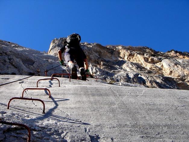 Foto: Manfred Karl / Klettersteig Tour / Via ferrata Ernesto Che Guevara / In der Plattenwand, steil, jedoch wenig schwierig / 28.10.2008 11:18:32