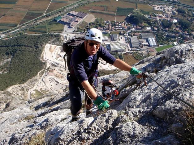 Foto: Manfred Karl / Klettersteig Tour / Via ferrata Ernesto Che Guevara / Einige Stellen sind doch recht luftig / 28.10.2008 11:19:26