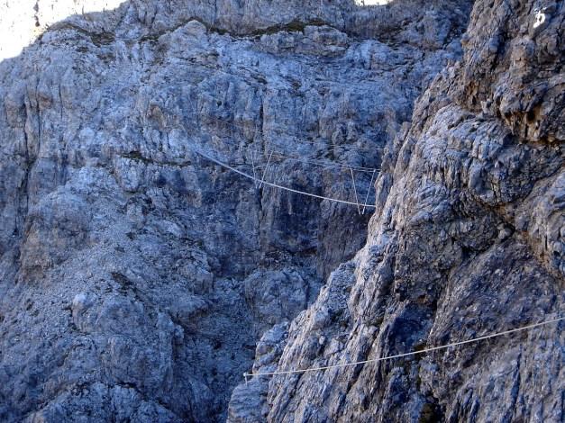 Foto: Manfred Karl / Klettersteig Tour / Madonnen - Klettersteig / Querung zur Hängebrücke / 28.10.2008 19:04:55