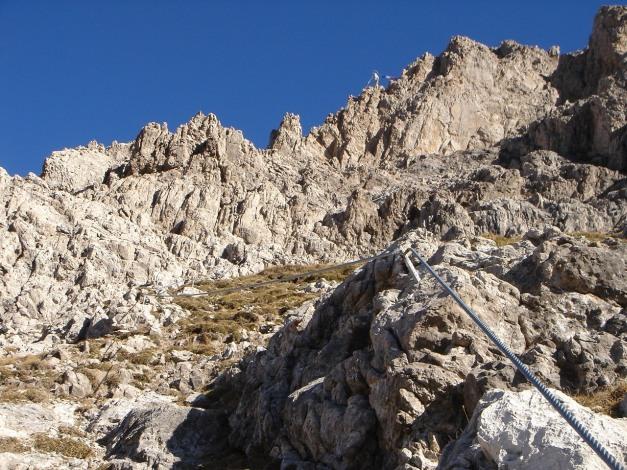 Foto: Manfred Karl / Klettersteig Tour / Madonnen - Klettersteig / Markanter Richtungspunkt: Die Felsenmadonna / 28.10.2008 19:01:39