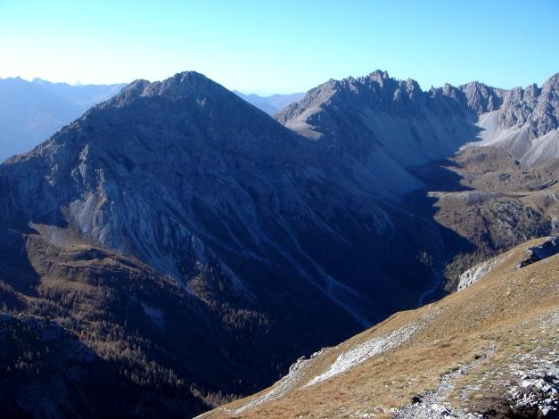 Foto: Manfred Karl / Klettersteig Tour / Madonnen - Klettersteig / Weittalspitze, von links leitet der Toni Allmaier Klettersteig auf den Gipfel / 28.10.2008 18:59:30