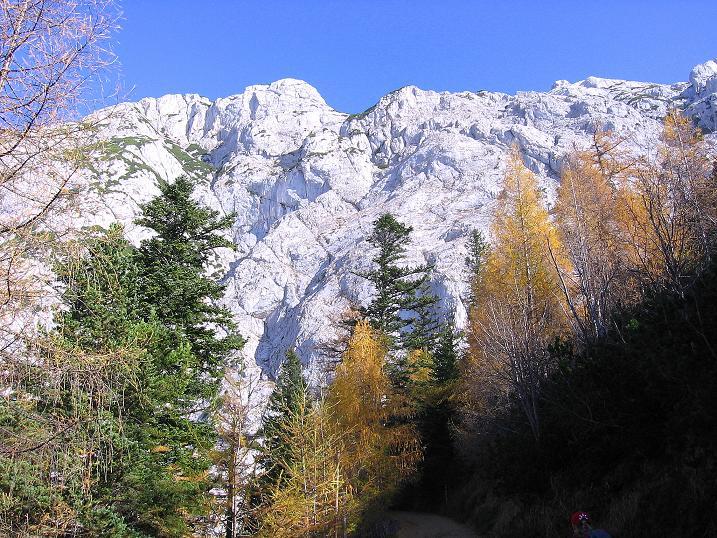 Foto: Andreas Koller / Klettersteig Tour / Hochkogelklettersteig (2303m) / Tennengebirge W-Ansicht vom Oedl-Haus / 28.10.2008 22:35:04