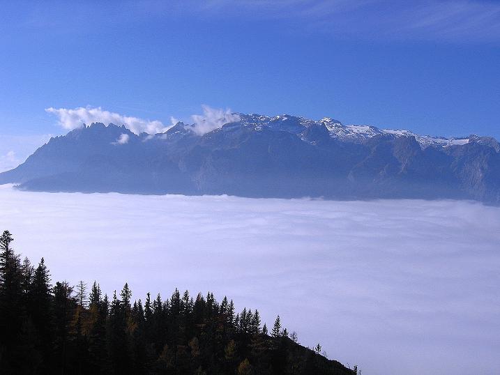 Foto: Andreas Koller / Klettersteig Tour / Hochkogelklettersteig (2303m) / Der Hochkönig (2943 m) ragt aus dem Nebelmeer heraus / 28.10.2008 22:34:15