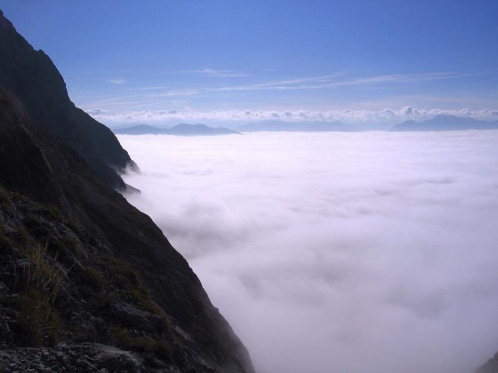 Foto: Andreas Koller / Klettersteig Tour / Hochkogelklettersteig (2303m) / Ein Nebelmeer hüllt das Salzachtal ein - Blick nach S / 28.10.2008 22:33:22