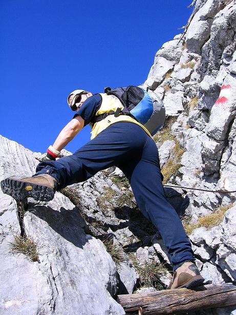 Foto: Andreas Koller / Klettersteig Tour / Hochkogelklettersteig (2303m) / Steilere Passagen sind bestens gesichert / 28.10.2008 22:31:28