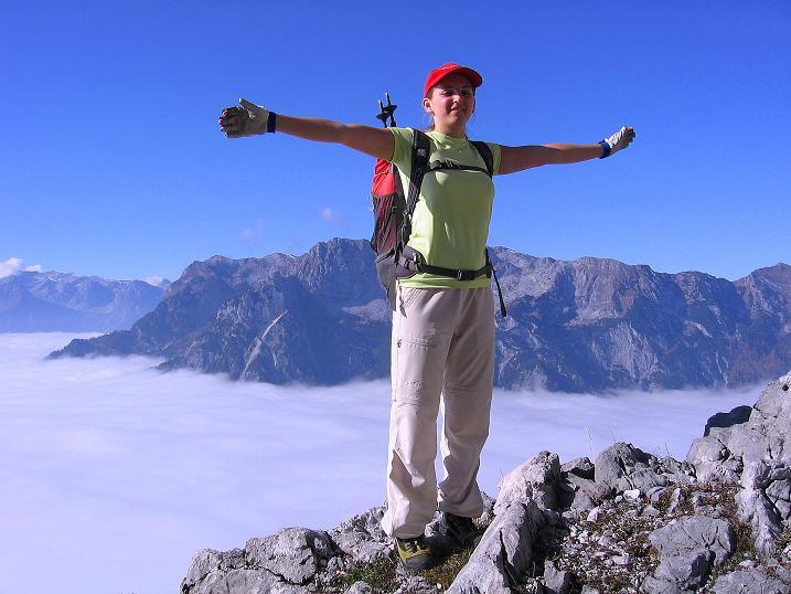 Foto: Andreas Koller / Klettersteig Tour / Hochkogelklettersteig (2303m) / Über den Wolken dem Hagengebirge gegenüber  / 28.10.2008 22:30:38