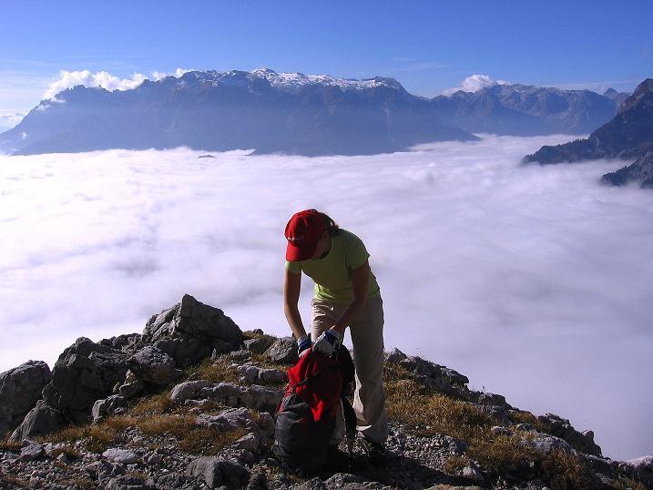 Foto: Andreas Koller / Klettersteig Tour / Hochkogelklettersteig (2303m) / Rast am Hochkogelsteig mit Blick auf den Hochkönig (2943 m) / 28.10.2008 22:29:25