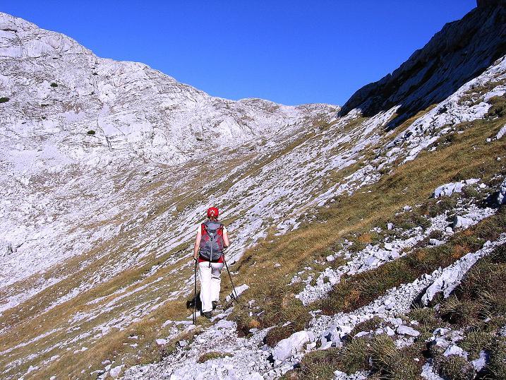Foto: Andreas Koller / Klettersteig Tour / Hochkogelklettersteig (2303m) / Querung zum Sattel und zur SO-Flanke des Hochkogel / 28.10.2008 22:25:46