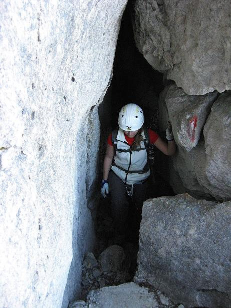 Foto: Andreas Koller / Klettersteig Tour / Klettersteig Mandlgrat / Mannlgrat auf den Hohen Göll (2522m) / Unter einem Klemmblock hindurch / 30.10.2008 17:23:22