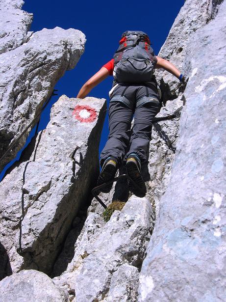 Foto: Andreas Koller / Klettersteig Tour / Klettersteig Mandlgrat / Mannlgrat auf den Hohen Göll (2522m) / Exponierter Abstieg aus einer kleinen Scharte / 30.10.2008 17:23:04