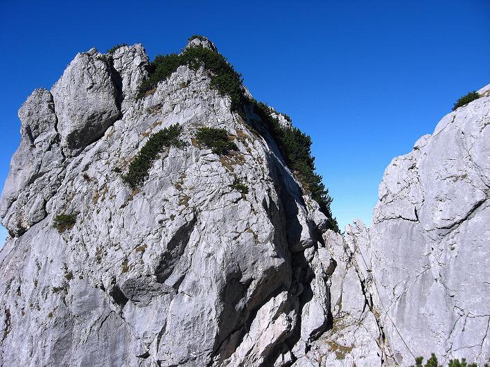 Foto: Andreas Koller / Klettersteig Tour / Klettersteig Mandlgrat / Mannlgrat auf den Hohen Göll (2522m) / Über die Einschartung und die Verschneidung verläuft die Route / 30.10.2008 17:21:00