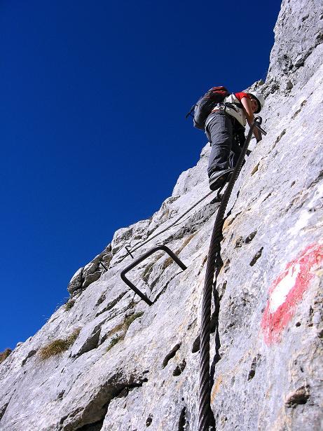 Foto: Andreas Koller / Klettersteig Tour / Klettersteig Mandlgrat / Mannlgrat auf den Hohen Göll (2522m) / Ausgesetzte Kletterei, die aber sehr gut gesichert ist / 30.10.2008 17:18:02