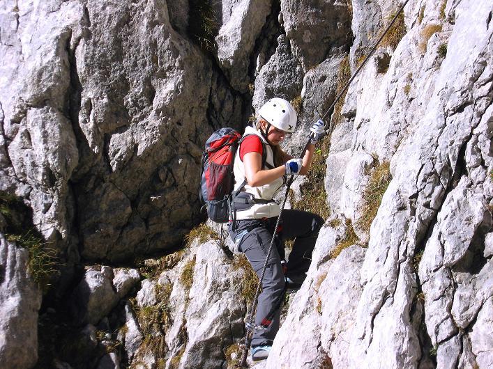 Foto: Andreas Koller / Klettersteig Tour / Klettersteig Mandlgrat / Mannlgrat auf den Hohen Göll (2522m) / Perfekte Klettersteigtechnik in einer sehr steilen Passage / 30.10.2008 17:16:09
