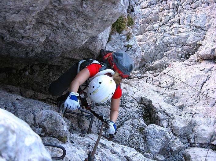 Foto: Andreas Koller / Klettersteig Tour / Klettersteig Mandlgrat / Mannlgrat auf den Hohen Göll (2522m) / Senkrechte Wand mit Steigbügeln gesichert / 30.10.2008 17:14:25