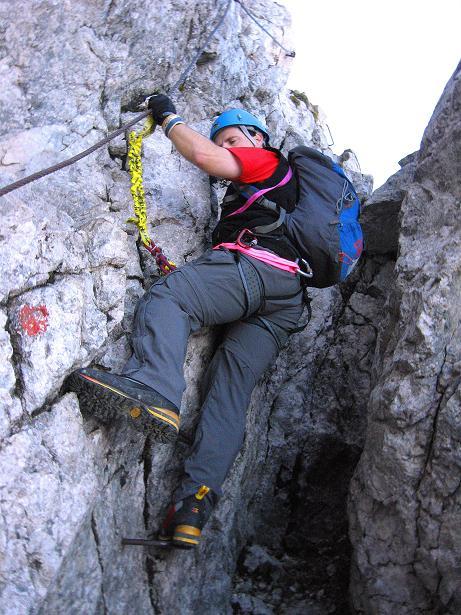 Foto: Andreas Koller / Klettersteig Tour / Klettersteig Mandlgrat / Mannlgrat auf den Hohen Göll (2522m) / Letzter steiler Aufschwung ist ein Kamin / 30.10.2008 17:13:26