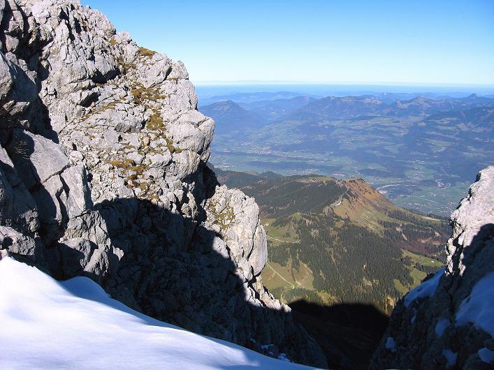 Foto: Andreas Koller / Klettersteig Tour / Klettersteig Mandlgrat / Mannlgrat auf den Hohen Göll (2522m) / Kurz unterhalb des Gipfels sieht man das Salzachtal und die Salzkammergutberge / 30.10.2008 17:11:06