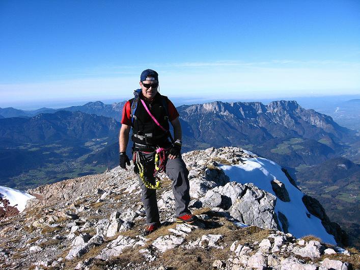 Foto: Andreas Koller / Klettersteig Tour / Klettersteig Mandlgrat / Mannlgrat auf den Hohen Göll (2522m) / Die letzten Meter zum Göll-Gipfel mit Blick nach N zum Untersberg (1972 m) / 30.10.2008 17:09:51