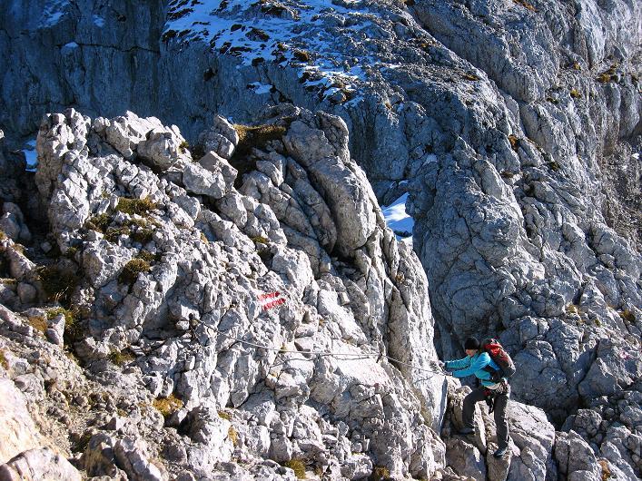 Foto: Andreas Koller / Klettersteig Tour / Klettersteig Mandlgrat / Mannlgrat auf den Hohen Göll (2522m) / Die versicherte Scharte zum Hohen Göll im Abstieg / 30.10.2008 17:05:23