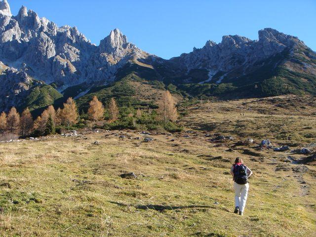 Foto: Manfred Karl / Klettersteig Tour / Grandlspitz – Taghaube – Überschreitung / Der Zustieg ist für sich schon eine lohnende Wanderung / 31.10.2008 08:03:56