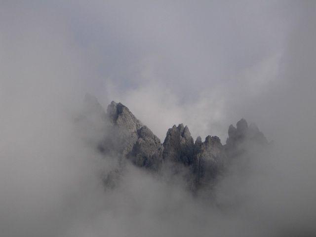 Foto: Manfred Karl / Klettersteig Tour / Grandlspitz – Taghaube – Überschreitung / Ein Teil des Grates, über den der Königsjodler Klettersteig führt / 31.10.2008 08:02:26