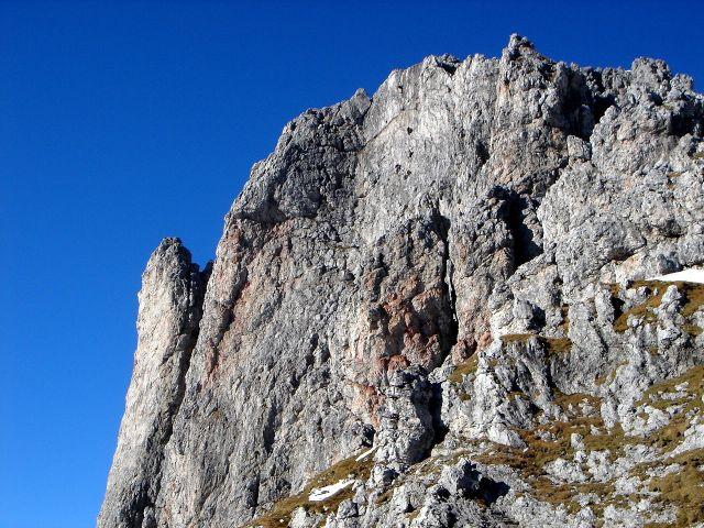 Foto: Manfred Karl / Klettersteig Tour / Grandlspitz – Taghaube – Überschreitung / Gut erkennbar die Manndl im Wandl / 31.10.2008 08:00:04