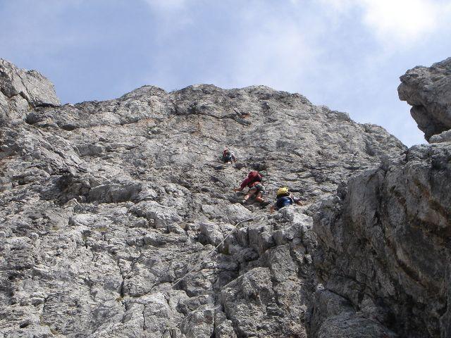 Foto: Manfred Karl / Klettersteig Tour / Grandlspitz – Taghaube – Überschreitung / An schönen Tagen kann es schon sein, dass man sich anstellen muss / 31.10.2008 07:58:14