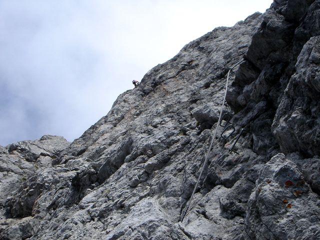 Foto: Manfred Karl / Klettersteig Tour / Grandlspitz – Taghaube – Überschreitung / Irgendwer ist fast immer unterwegs am Grandlspitz ;-) / 31.10.2008 07:56:57