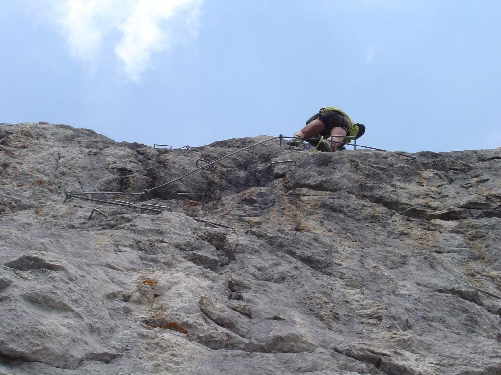 Foto: Manfred Karl / Klettersteig Tour / Grandlspitz – Taghaube – Überschreitung / Der leicht überhängende Schlussteil des Klettersteiges / 31.10.2008 07:54:39