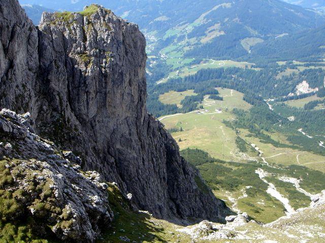 Foto: Manfred Karl / Klettersteig Tour / Grandlspitz – Taghaube – Überschreitung / Links am oberen Bildrand ist der Ausstiegskamin zu sehen / 31.10.2008 07:45:46