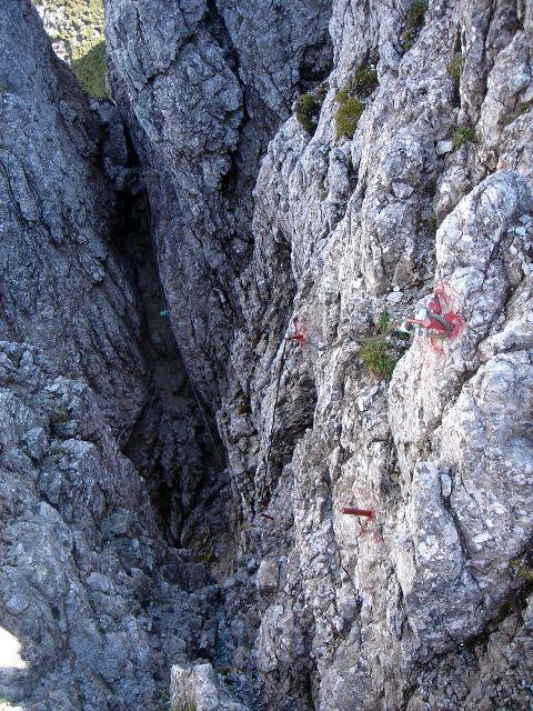 Foto: Manfred Karl / Klettersteig Tour / Grandlspitz – Taghaube – Überschreitung / Aus diesem finsteren Schlund gehts ins Licht / 31.10.2008 07:44:28