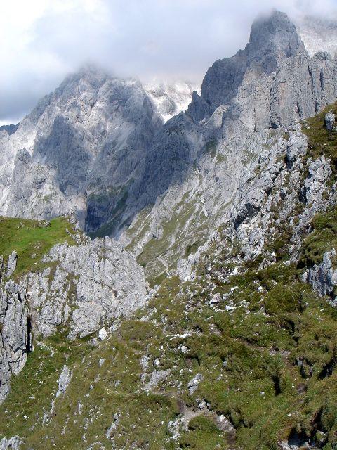 Foto: Manfred Karl / Klettersteig Tour / Grandlspitz – Taghaube – Überschreitung / Die kurze Querung zum Normalweg der Taghaube / 31.10.2008 07:43:34