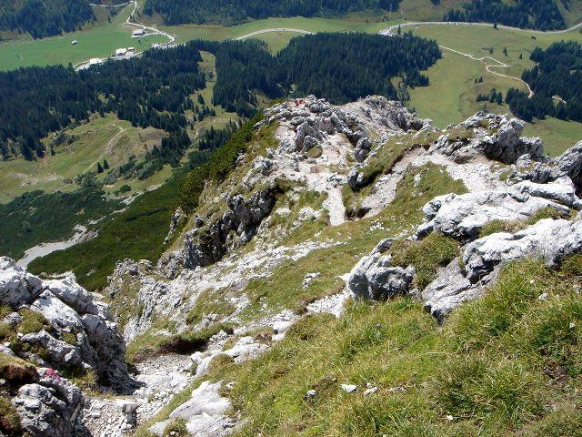 Foto: Manfred Karl / Klettersteig Tour / Grandlspitz – Taghaube – Überschreitung / Tiefblick oberhalb der Leiter am Normalweg der Taghaube / 31.10.2008 07:41:06