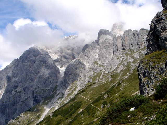Foto: Manfred Karl / Klettersteig Tour / Grandlspitz – Taghaube – Überschreitung / Zustiegsweg zur Taghaubenscharte / 31.10.2008 07:40:31