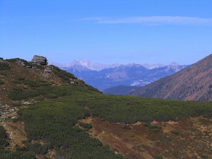 Foto: Andreas Koller / Wander Tour / Kammwanderung zum Schreinl (2154m) / Das Tote Gebirge mit dem Großen Priel (2515 m) / 04.11.2008 11:11:31